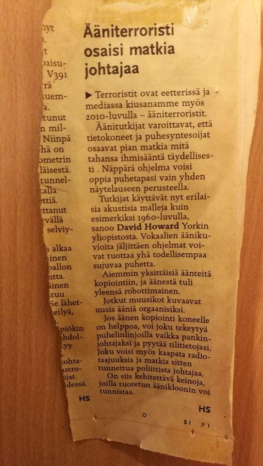 Kuva pikku-uutisesta vuoden 2012 hesarissa, jossa professori David Martin Howard varoittaa kuullosta-keneltä-tahansa-koneista